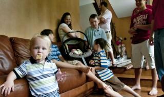 Après 12 garçons, un couple attend son 13ème enfant!