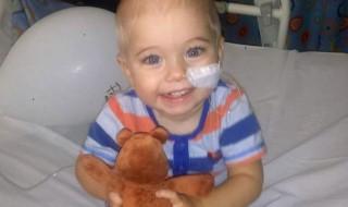 Plus fort que la maladie, un bébé guérit de 27 tumeurs