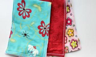 DIY: fabriquer la serviette anti-bavouille de bébé