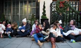 À Londres, les mamans allaitantes se mobilisent