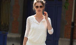 10 manières de porter de la dentelle pour parfaire un look de grossesse romantique
