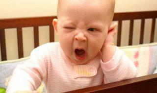 7 choses auxquelles une maman pense quand bébé pleure la nuit