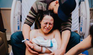 Première rencontre entre maman et bébé : un moment magique, la preuve en vidéo !