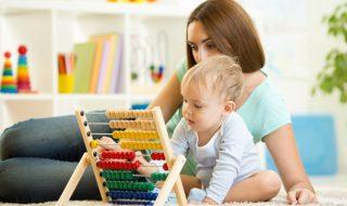 La ministre de la Santé annonce une nouvelle aide financière pour la garde d'enfants