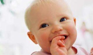 Alimentation de bébé : les 9 mythes à enterrer
