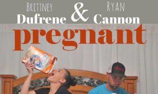 Et si on annonçait la venue de bébé avec une affiche de film super fun, comme l'a fait ce couple ?