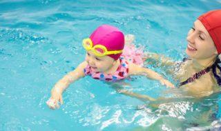 Assurer la sécurité de bébé à la piscine : tout ce qu'il faut savoir !