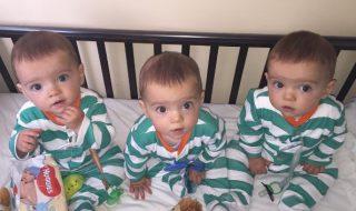 Maman de triplés complètement identiques, elle n'a pourtant aucun mal à les différencier !