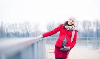 Enceinte : comment protéger ma peau de future maman du froid ?