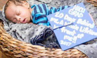 Nés prématurément, ces petits bébés repartent avec une adorable toque de diplômé avant de quitter l'hôpital !
