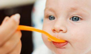 Diversification alimentaire de bébé : quel est le bon moment d'après l'OMS ?