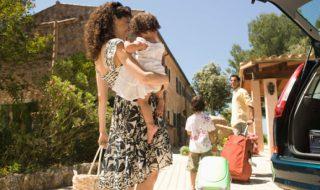 Bébé est malade : comment me faire rembourser mes vacances annulées ?