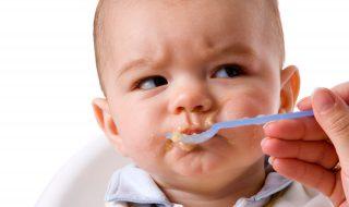 3 astuces imparables pour faire manger des plats avec morceaux à bébé