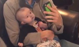 Découvrez ce que fait ce bébé farceur quand ce papa sort son smartphone