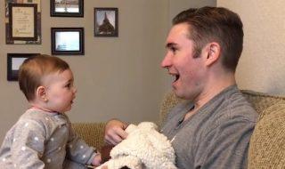 Dur dur pour ce bébé de reconnaître papa quand il n'a plus sa barbe !