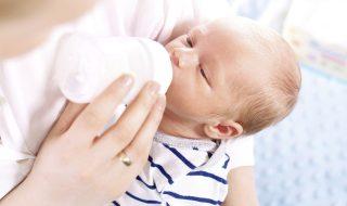 5 mesures hygiéno-diététiques à prendre si bébé régurgite