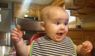 Ce bébé a vraiment un rire super démoniaque !