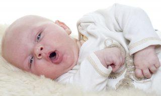 Bébé tousse : comment le soulager ?