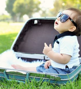 Partir en vacances avec bébé en été : tous les indispensables à ne pas oublier