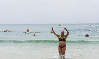 Enceinte de 35 semaines, une championne olympique a parcouru 1 km à la nage