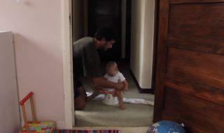 Ce papa a une super astuce pour apprendre à sa fille à aller sur le pot !