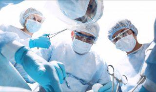 Quelle découverte rarissime ont faite ces chirurgiens en opérant une jeune patiente de l'appendicite ?