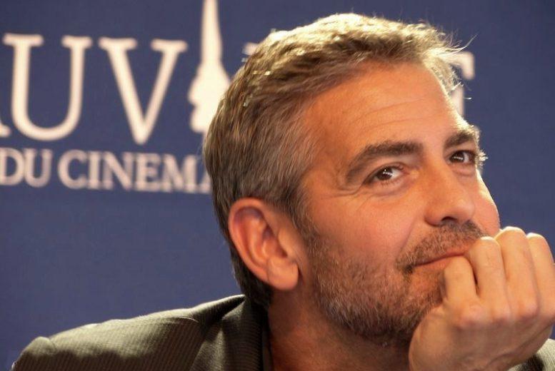 USA: George Clooney offre 1 million $ chacun à 14 de ses potes
