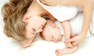 Etre parents rime avec fatigue au réveil ? Cette maman vous explique pourquoi !