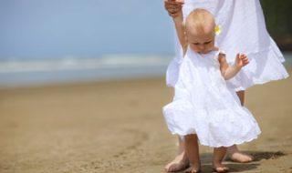 Comment aider bébé à apprendre à marcher?