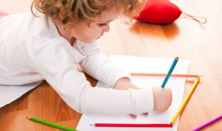 Garde d'enfants : de nouvelles mesures pour aider les parents solos !