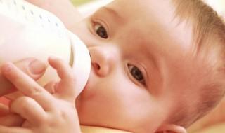 Compléments alimentaires pour bébé : que faut-il en penser ?