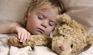 Pourquoi coucher son enfant avant 20 heures réduirait l'obésité infantile ?