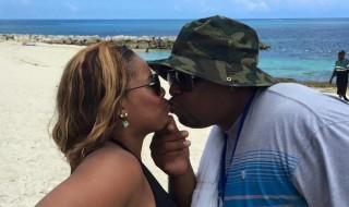 Après 17 ans de mariage, c'est une explosion de larmes quand il apprend la grossesse de sa femme