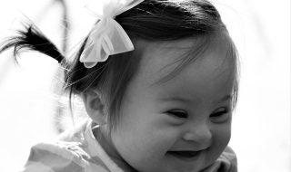 Maman d'une petite fille atteinte de trisomie 21, elle écrit au médecin qui lui avait conseillé d'avorter