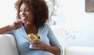 Enceinte, quelles règles diététiques suivre un lendemain de fête pour se remettre en forme ?