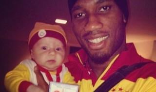 Fans du footballeur Didier Drogba, des parents ont appelé leur bébé du même nom !