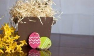 DIY : des œufs en pâte à sel de toute les couleurs !