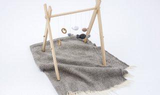 DIY : comment fabriquer un portique en bois pour éveiller la curiosité de bébé ?