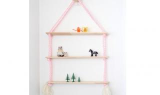 Comment fabriquer la parfaite étagère suspendue pour la chambre de bébé ?