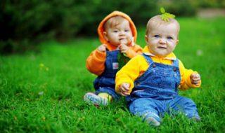 Elever des jumeaux : le coup de pouce pratique