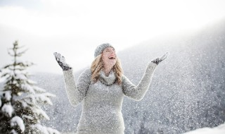 6 trucs pour passer de super vacances enceinte à la neige
