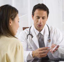 Première visite médicale de la grossesse : comment ça se passe ?