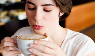 Et si la consommation de boissons caféinées et la fausse couche n'avaient aucun lien ?
