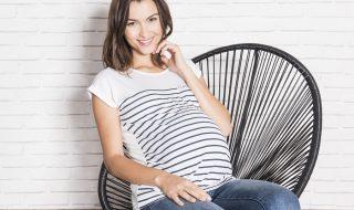 Enceinte, fashion et à l'aise dans ses vêtements : les 5 vêtements essentiels