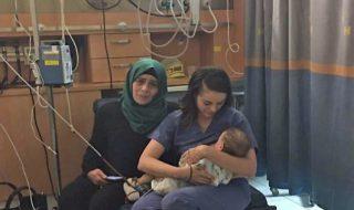 Pour sauver un bébé palestinien, une infirmière israélienne l'allaite et devient un symbole de paix