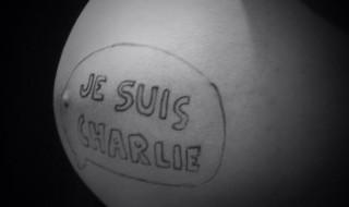 Le baby bump de Karen «Je suis Charlie»