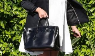 Kim Kardashian troque ses robes moulantes contre un vrai look de grossesse.