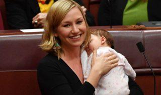 Larissa Waters : la sénatrice australienne allaite son bébé pendant son discours pour faire passer une motion