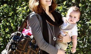 Le sac à main d'une wonder-maman, y'a quoi dedans?