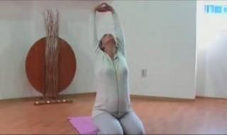 Vidéo de la semaine : le yoga prénatal